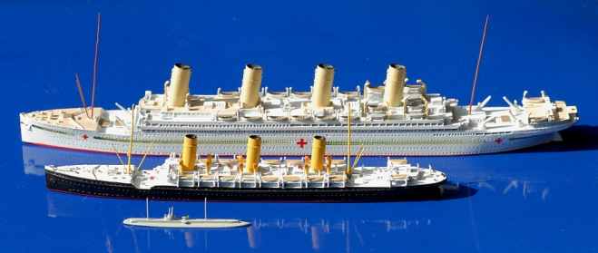 The three protagonists in model scale; note the difference of size of each vessel